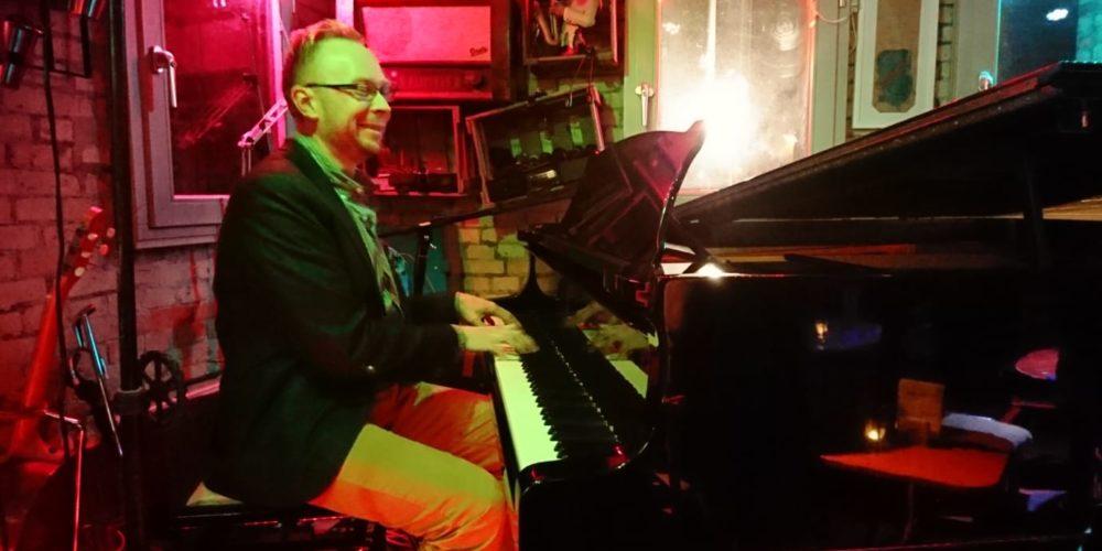 Jens Robbers am Klavier